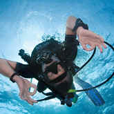 PADI Discover Scuba Diving | Breathe underwater in a fun, convenient session conducted in the in-store heated pool at our location in Eagan, Minnesota. After a PADI Discover Scuba Diving briefing, you and your instructor put on your scuba gear and the adventure begins.
