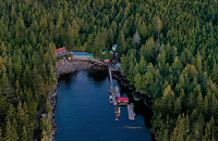 Pacific Northwest Group Dive Trip: God's Pocket is a destination eco-lodge that runs diving and kayaking trips in the God's Pocket Marine Provincial Park. | Scuba Center Group Diving Trips