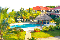 Los Porticos Villas pool | Dive the barrier reef of Belize