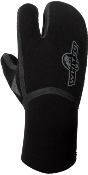 Whites HEAT Neoprene 3 Finger Mitts | Whites Drysuit Gloves | For those diving in colder waters, the 6mm 3 finger gloves may be the solution to your cold hands. 3 finger gloves have fewer seams (less water flow) and allow your 3 fingers to stay together which results in warmer hands. | whitesdiving.com
